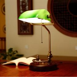 Bankerlampe grün mit verziertem Holzfuß Retro Tischlampe Banker Lampe